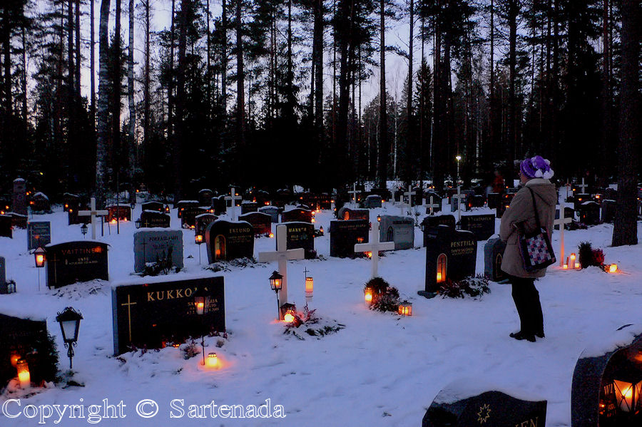 Cemetery of Kellokumpu at sunset