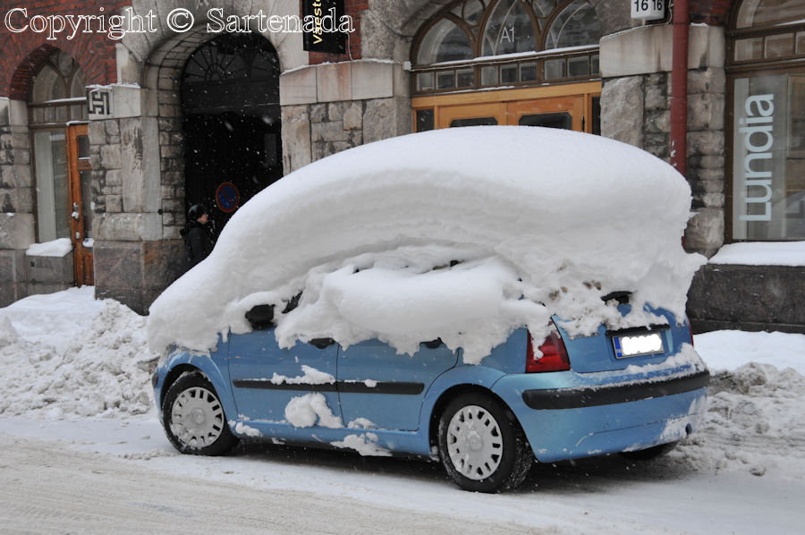 Helsinki in winter. Do You recognize the car model?