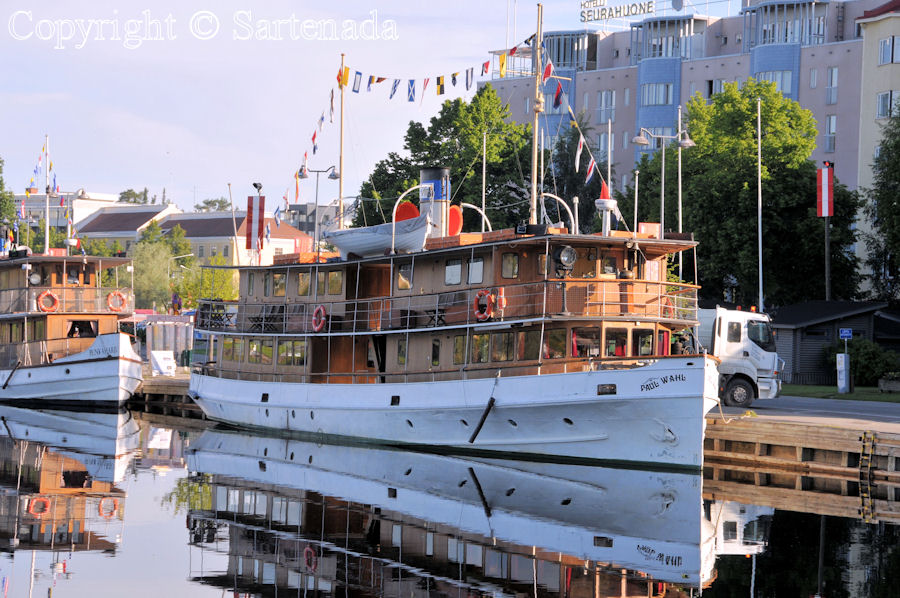 Old steamships in Savonlinna are waiting for You for a cruise on a lake.