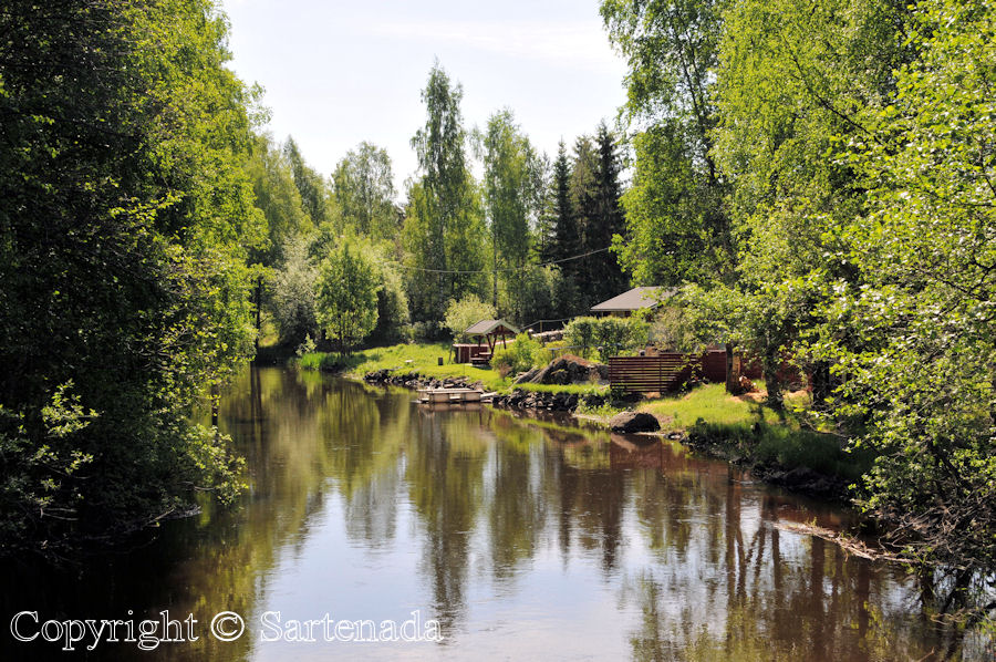 Peaceful life by the river in Finland - Rio Kuvansi