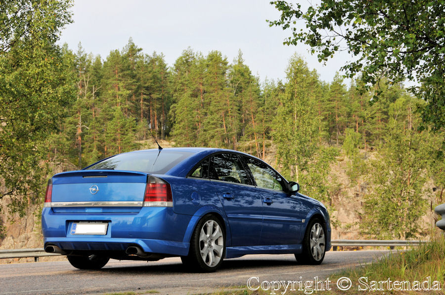 My hobby is to drive fast on German highways. My Vectra with 280 horsepowers
