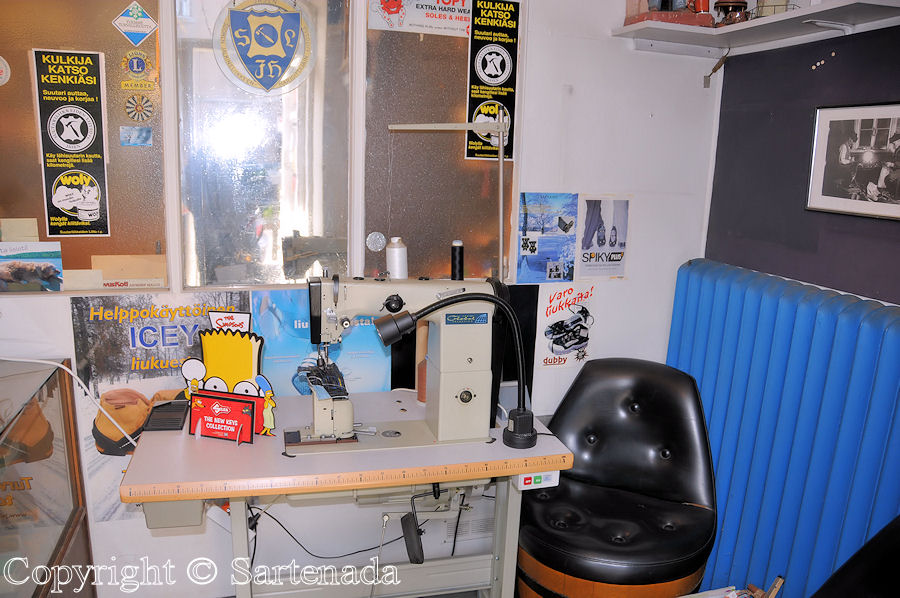 Back room of shoemaker / Trastienda de zapatero / Chambre du fond du cordonnier