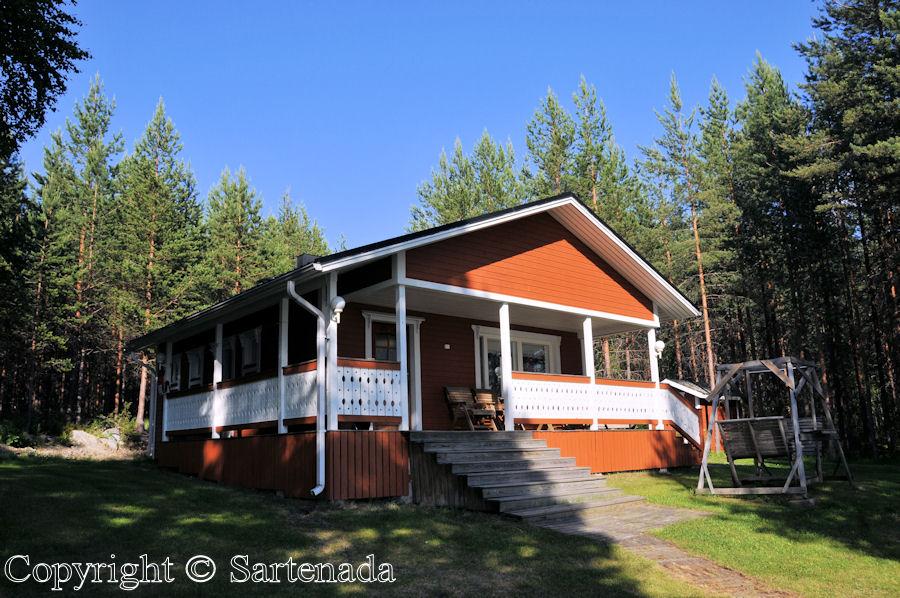 Hired vacation cottage /Cabaña de verano alquilada/Cabane de l'été louée