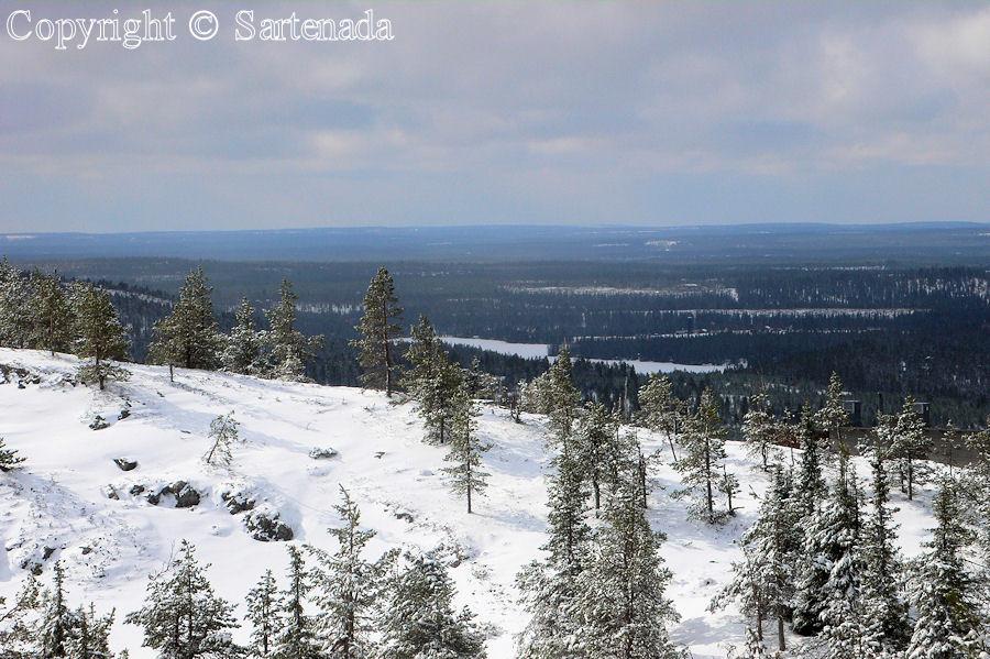 Arctic hill of Ruka / Colina ártica de Ruka / Colline Arctique de Ruka