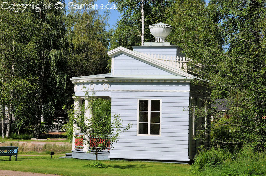 Mäntyharju with its gazebos / Mäntyharju con sus pabellónes / Mäntyharju avec ses pavillons