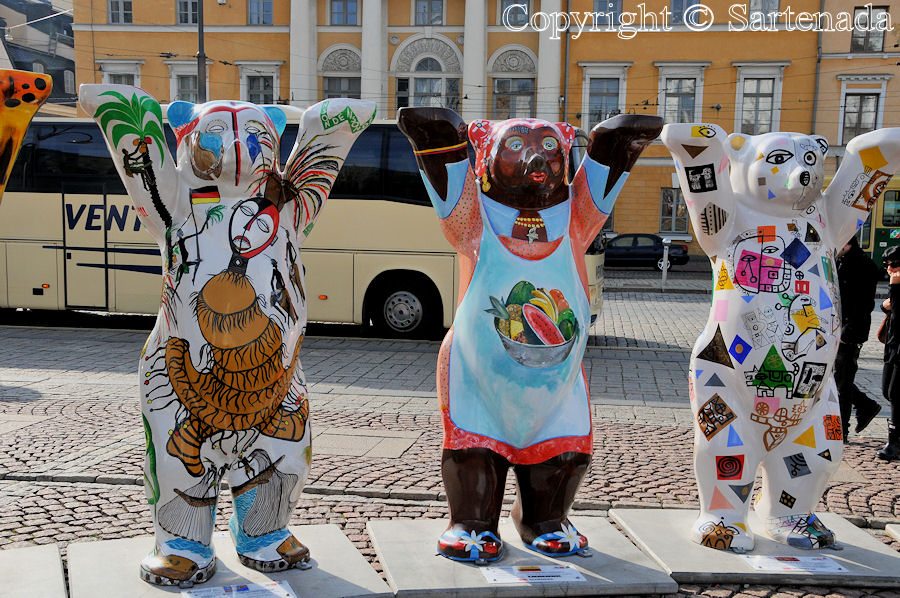 Bears conquered Helsinki / Osos conquistaban Helsinki / Ours conquéraient Helsinki