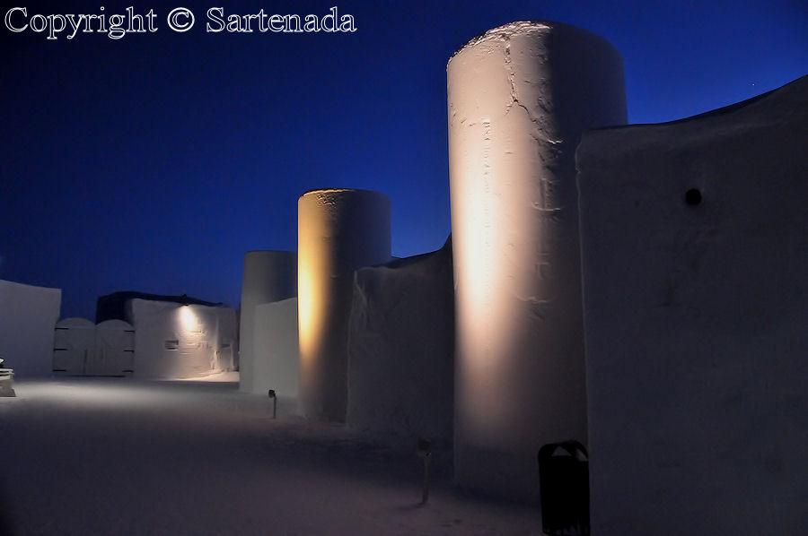 Snow castle / Castillo de nieve / Château de Neige
