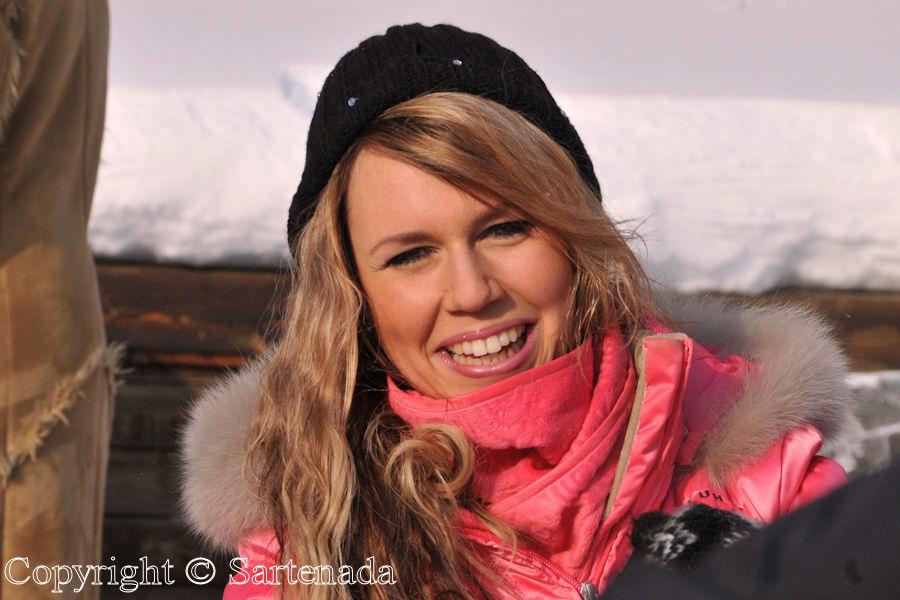 Ice art by Miss Finland Candidates / Arte en hielo por Candidatas a Miss Finlandia / Art de glace par Candidates Miss Finlande