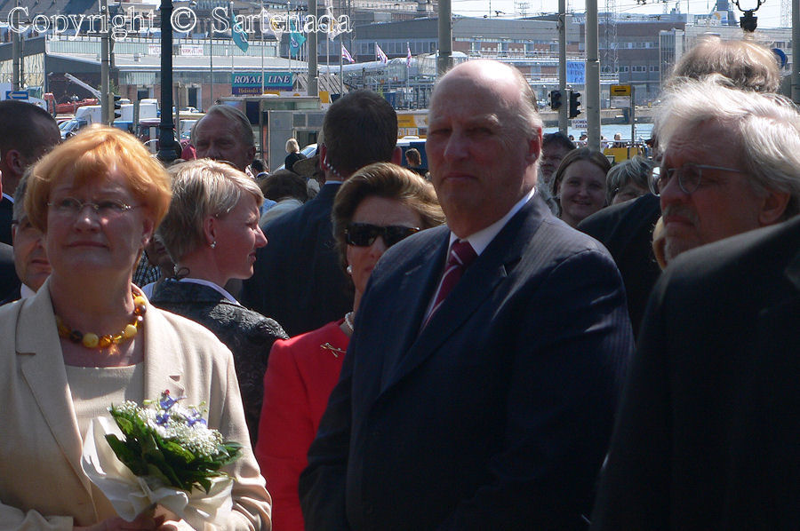 Left, president Tarja Halonen and next to her King of Norway Harald V