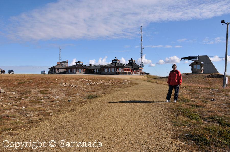 Beyond the Arctic Circle13 / Más allá del Círculo Polar Ártico13 / Au-delà du Cercle arctique13