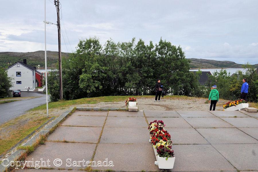 Beyond the Arctic Circle10 / Más allá del Círculo Polar Ártico10 / Au-delà du Cercle arctique10