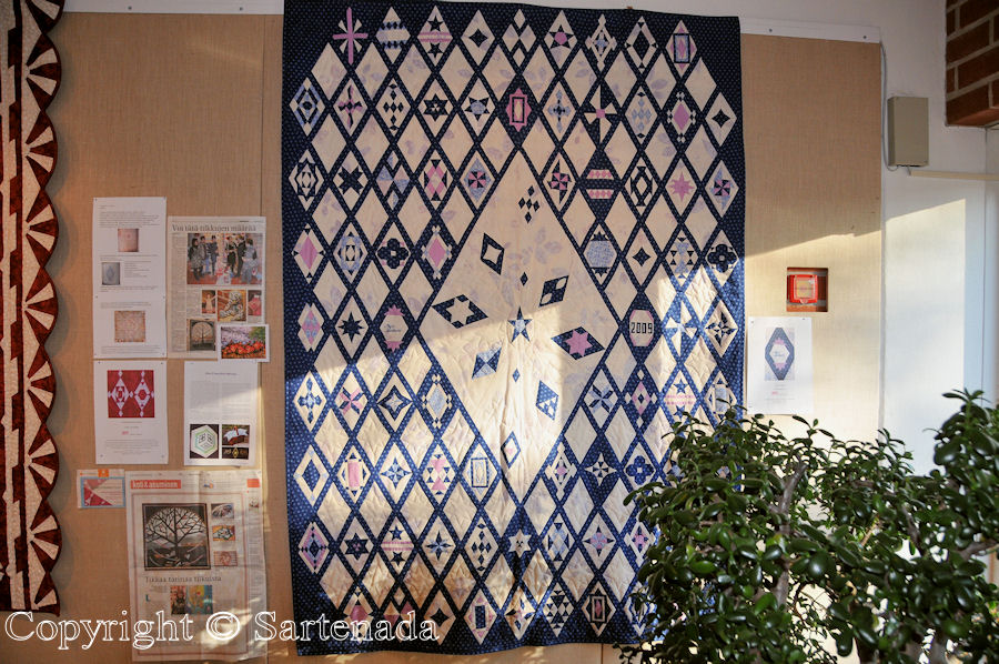 Quilt and patchwork exhibitions (Raisio) / Exposiciónes de Colchas y almazuelas (Raisio) / Expositions de courtepointes(Raisio)