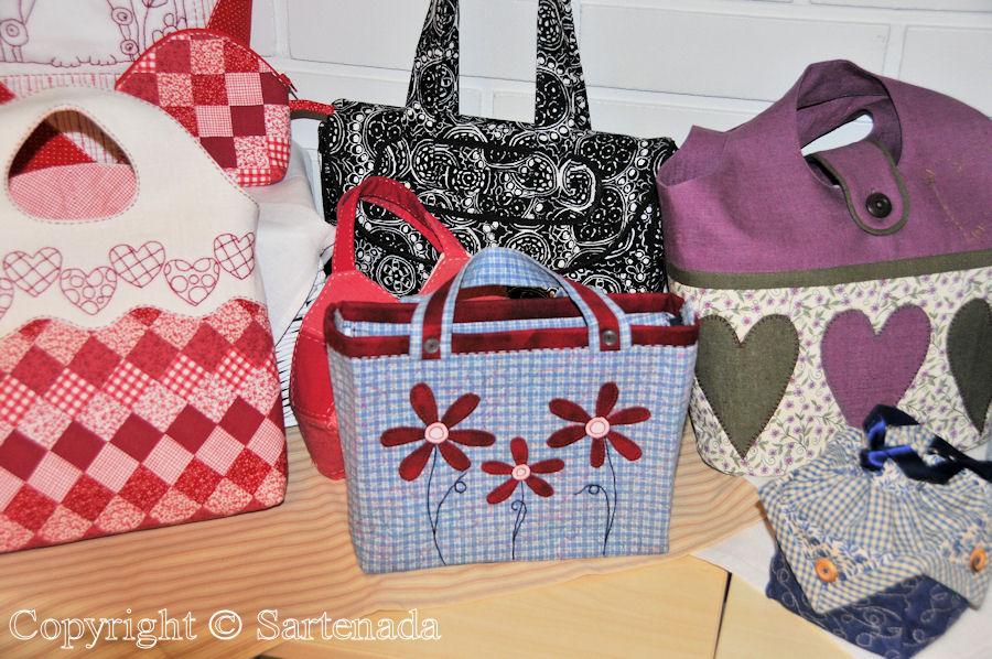 Quilt and patchwork exhibitions (Vaasa) / Exposiciónes de Colchas y almazuelas (Vaasa) / Expositions de courtepointes (Vaasa)