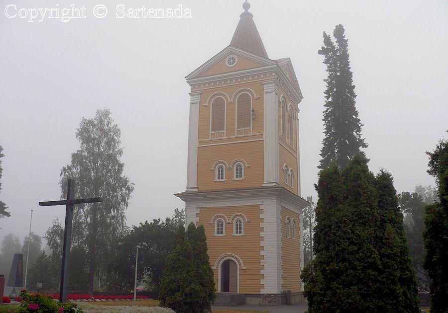 Isojoki - Poor man-statues / Estatuas de pobre hombre / Statues de Pauvre Homme