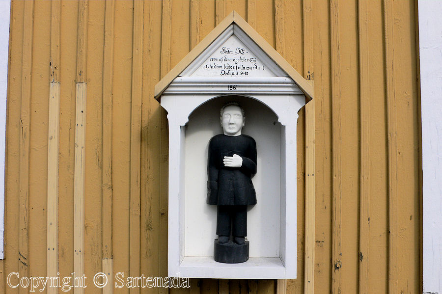Jepua - Poor man-statues / Estatuas de pobre hombre / Statues de Pauvre Homme
