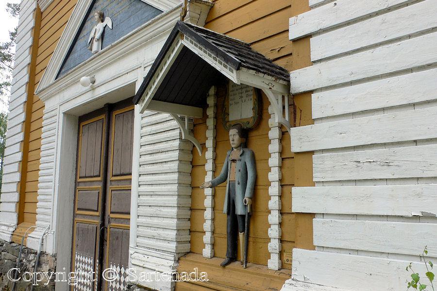 Kuortane - Poor man-statues / Estatuas de pobre hombre / Statues de Pauvre Homme