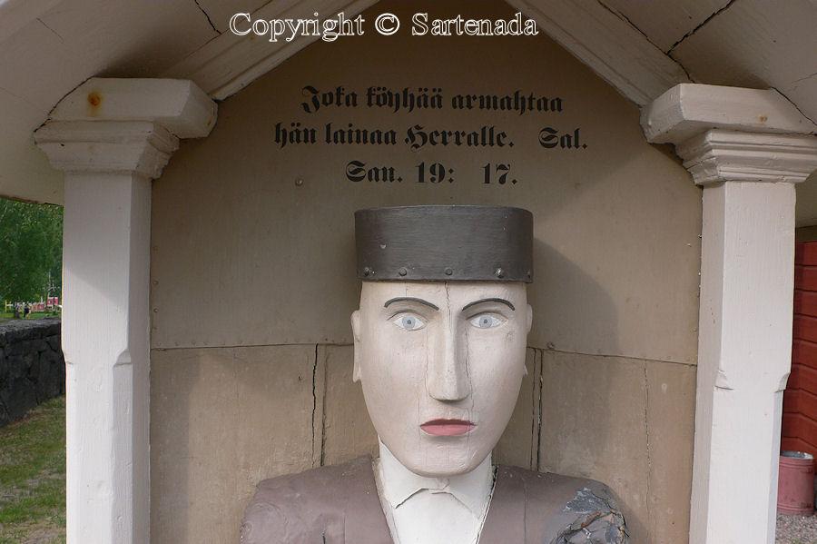 Kuru - Poor-man statues / Estatuas de pobre hombre / Statues de Pauvre Homme