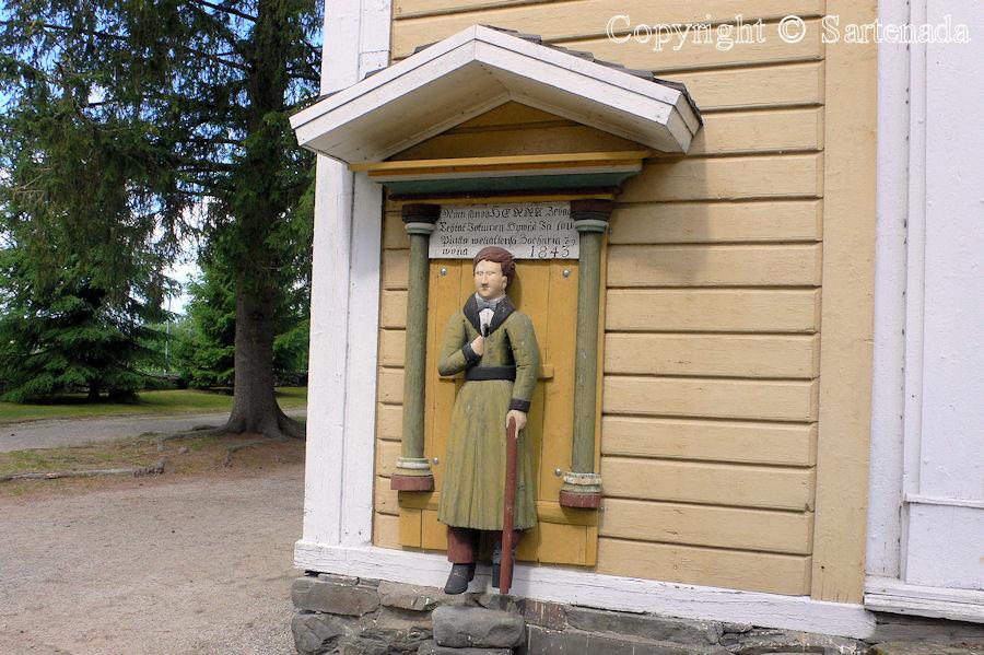 Lappajärvi - Poor man-statues / Estatuas de pobre hombre / Statues de Pauvre Homme