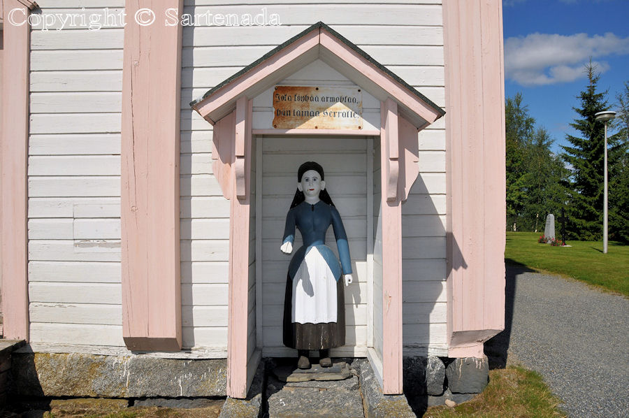 Soini - Poor man-statues / Estatuas de pobre hombre / Statues de Pauvre Homme