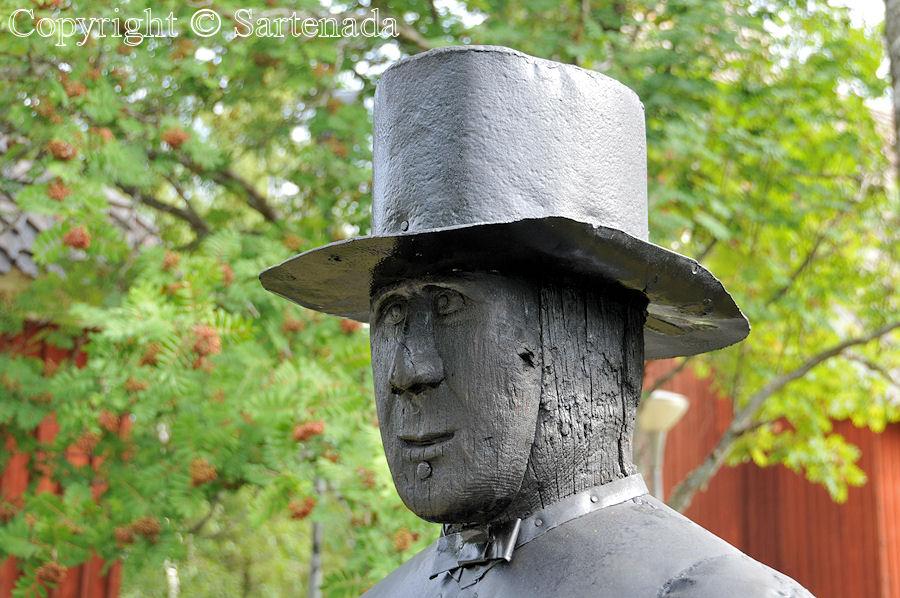 Temmes - Poor man-statues / Estatuas de pobre hombre / Statues de Pauvre Homme