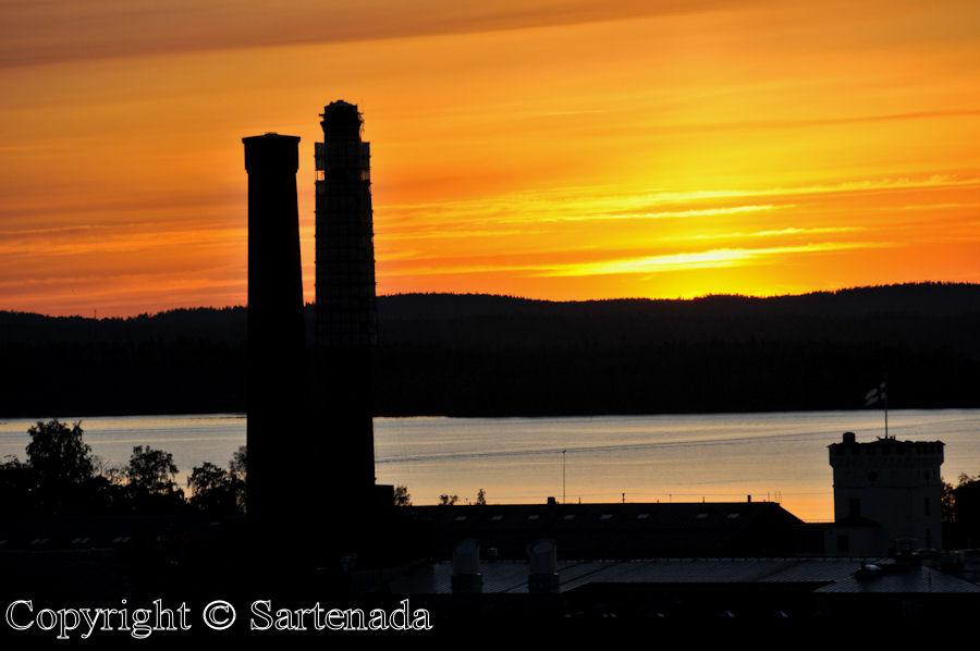 Sunset at 11:20 pm / Puesta de sol en 23:20 / Coucher de soleil à 23:20