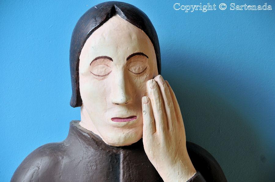 Ahlainen - Poor-man statues / Estatuas de pobre hombre / Statues de Pauvre Homme