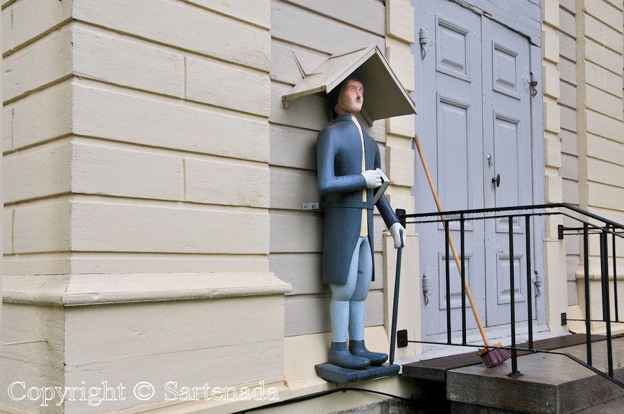 Korsnäs - Poor-man statues / Estatuas de pobre hombre / Statues de Pauvre Homme