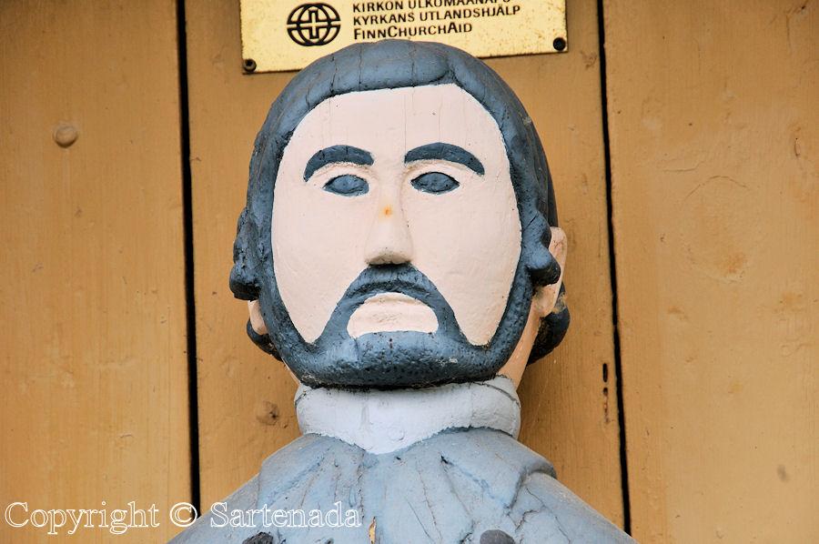 Maksmaa - Poor-man statues / Estatuas de pobre hombre / Statues de Pauvre Homme