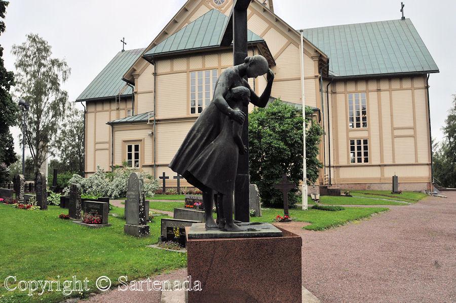 Merikarvia - Poor-man statues / Estatuas de pobre hombre / Statues de Pauvre Homme