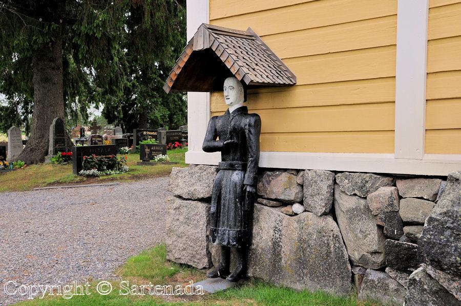 Perho - Poor-man statues / Estatuas de pobre hombre / Statues de Pauvre Homme