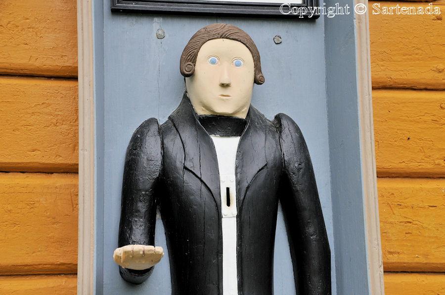 Siipyy - Poor-man statues / Estatuas de pobre hombre / Statues de Pauvre Homme