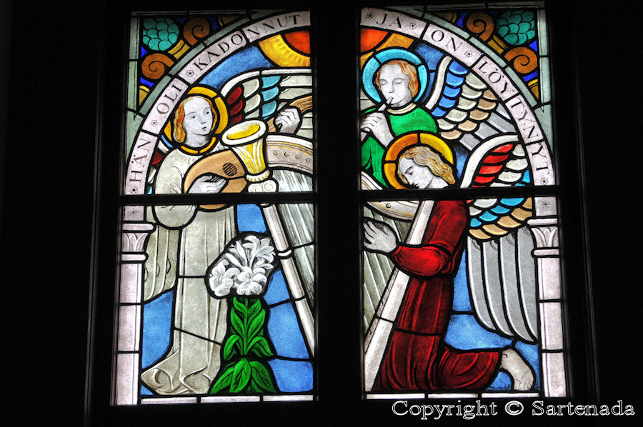 Nurmo - Stained glass windows in Finnish churches / Vitrales de iglesias finlandesas / Vitraux des églises finlandaises