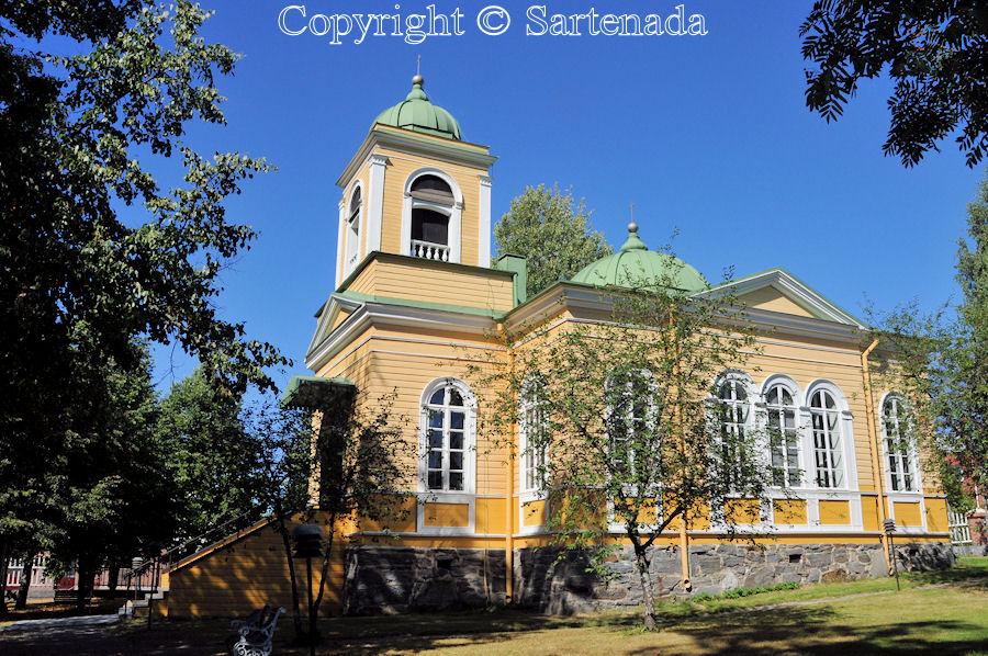 Savonlinna - Poorman statues. Wooden beggar statues. Finnish pauper sculptures