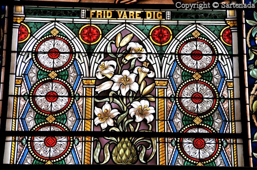 Vantaa - Stained glass windows in Finnish churches / Vitrales de iglesias finlandesas / Vitraux des églises finlandaises