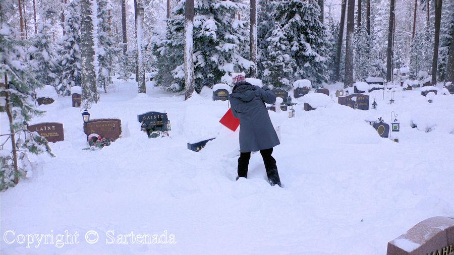 Cemetery in winter / Cementerio en invierno / Cimetière en hiver