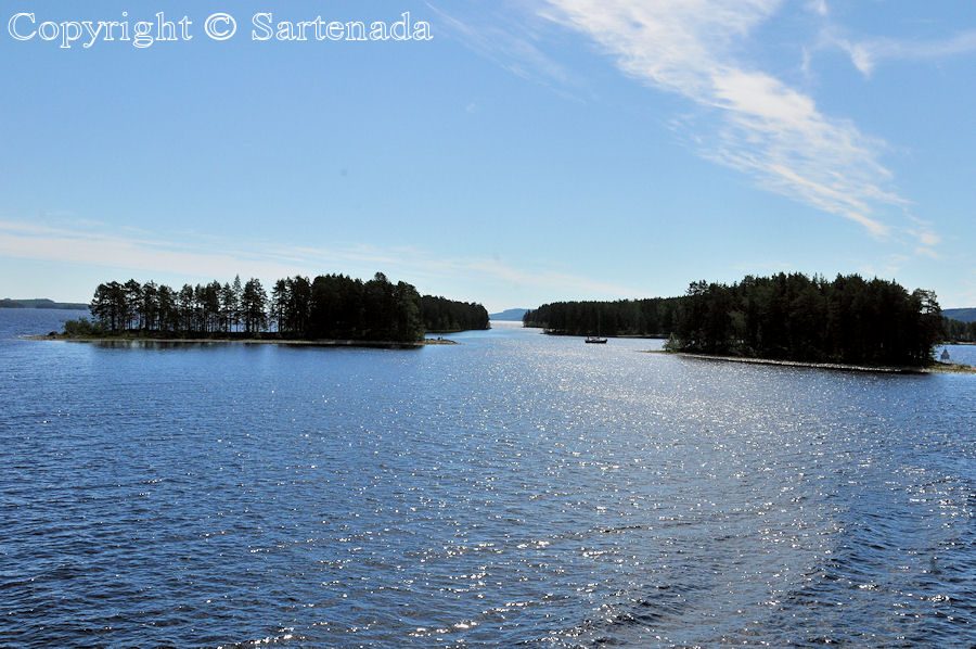 Midsummer cruise on Lake Pielinen / Crucero de Hogueras de San Juan en el Lago Pielinen / Croisière de la Saint-Jean sur le Lac Pielinen