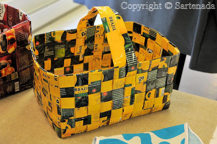 Bags from coffee bags / Bolsas desde bolsas de café / Sacs a partir de sacs de café / Sacos a partir de sacas de café
