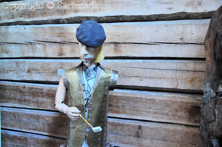 Statues of Paupers3 / Estatuas de pobres3 / Statues de miséreux3 / Estátuas de pobre-homem3
