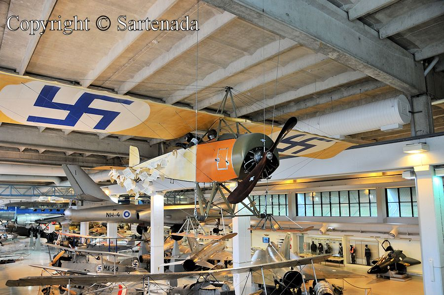 Aviation Museum of Central Finland / Museo de la Aviación de Finlandia Central / Musée de l'aviation de la Finlande Centrale / Museu da Aviação da Finlândia central
