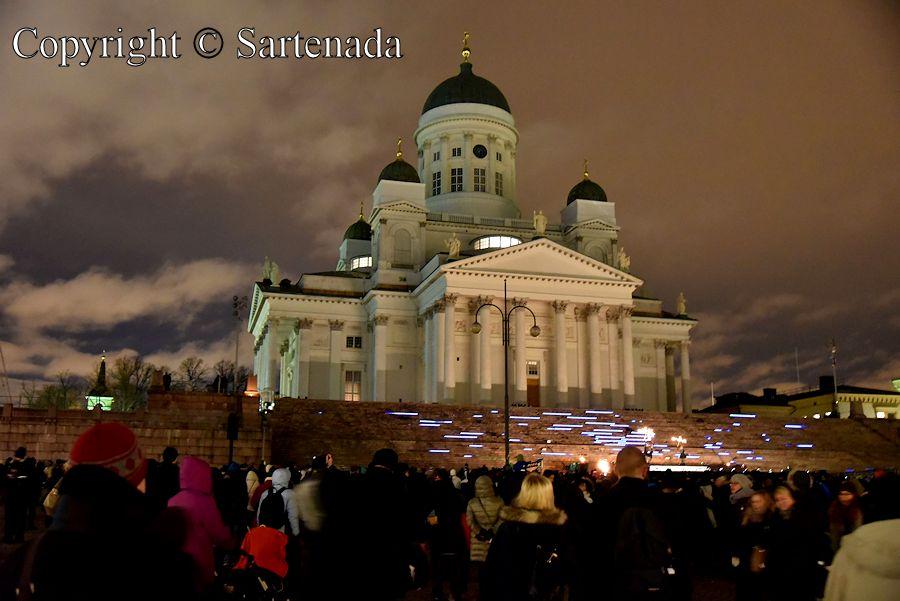 Helsinki Cathedral, Helsinki Senate Square