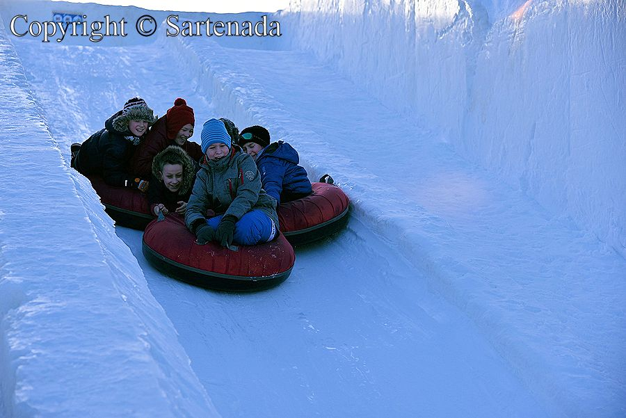 Ice Slide, tobogán de hielo,  toboggan de neige,  escorrego de gelo