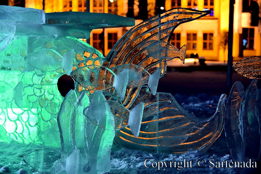 Ice sculptures / Esculturas de hielo / Sculptures de glace / Esculturas de gelo