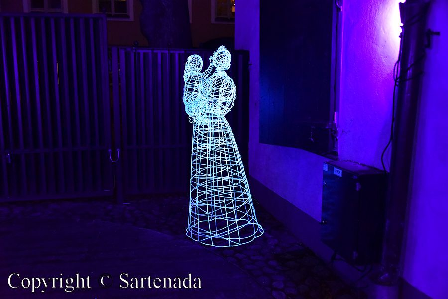 Light sculptures / Esculturas de luz / Sculptures de lumière / Esculturas de luz