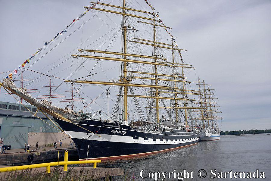 Tall ships in Kotka/ Veleros de mástiles altos en Kotka / Grands voiliers à Kotka / Grandes veleiros em Kotka