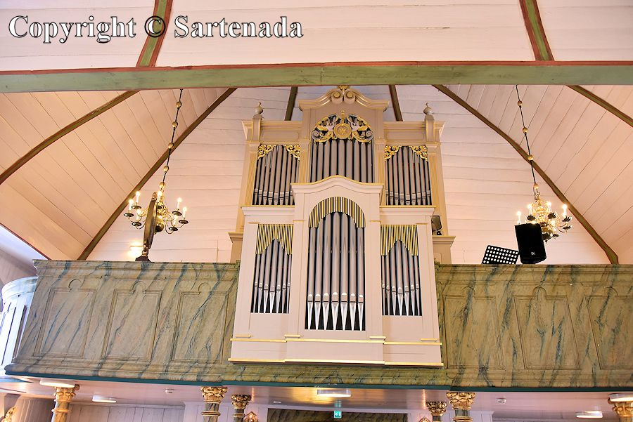 Frontier church / Iglesia de la frontera / Église frontière / Igreja fronteiriça
