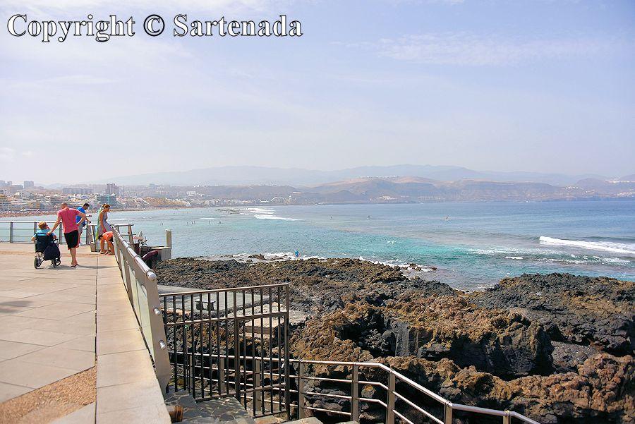 23. View to Las Palmas