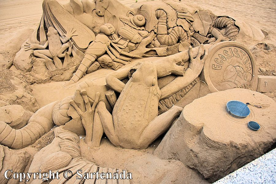 31. Sand sculptures