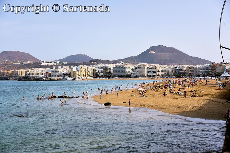9. Midway of the Playa de Las Canteras