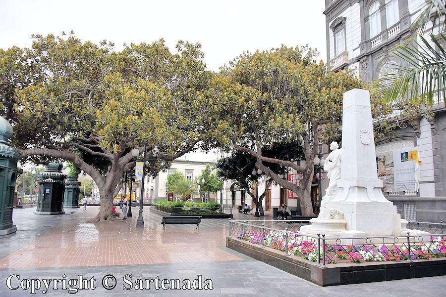 1. Las Plamas - old town