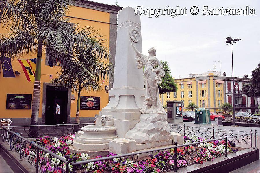 2. Las Plamas - old town